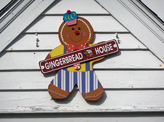 OH Oxford - Gingerbread House (scottamus) Tags: ohio house college sign campus oxford gingerbreadhouse miamiuniversity studen butlercounty