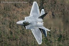 95th FS USAF F-22 Raptor 'Mongol 02' (Tom Dean.) Tags: nikon aviation raptor f22 usaf mongol lowlevel machloop