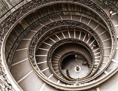 Roma - Musei Vaticani (Walter Horstmann-Cholibois) Tags: panorama rome roma stairs nikon musei treppe rom d800 vaticani museen vatikanischen 24120mmg
