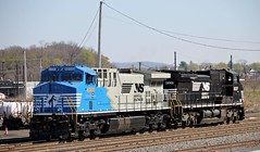 NS 4000 & NS 8337 (Conrail1978) Tags: railroad yard train dc conversion ns norfolk engine loco southern pa ac ge cr rebuild unit 4000 enola conrail c408w 8337 6091 ac44c6m