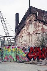 Face in the wall, Baltimore (ADMurr) Tags: leica grafitti kodak overcast baltimore m4 ektar vhils