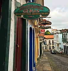 Placas / Store signs - Ouro Preto 2015 (Pablo Grilo) Tags: minasgerais mg ouropreto barroco aleijadinho cidadeshistoricas iphone6