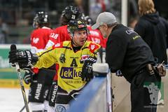 "DEL16 Kölner Haie vs. Krefeld Pinguine 17.01.2016 002.jpg • <a style=""font-size:0.8em;"" href=""http://www.flickr.com/photos/64442770@N03/24937415635/"" target=""_blank"">View on Flickr</a>"