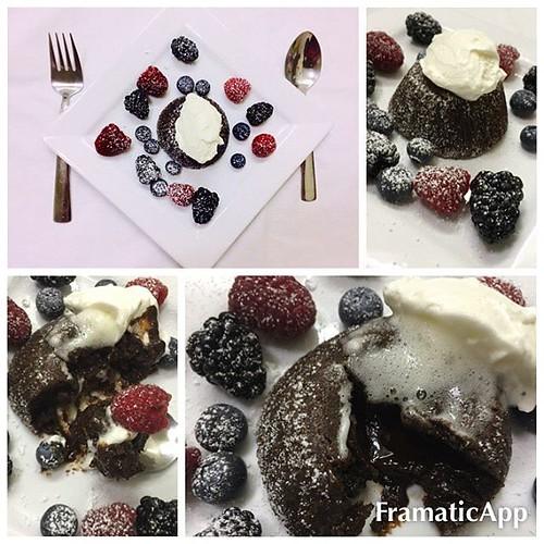 #chocolatemoussecake #berries #cremefresh