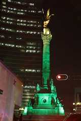 México in Green (José Ramón de Lothlórien) Tags: irish green fiesta cerveza stpatrick shamrock irlanda sanpatricio verda treboles irlandaenméxico méxicoirish méxicoingreen méxicoenverde tradiciónirlandesa