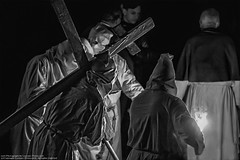 Penitents in the Procession of the dead Christ - Penitenti alla Processione del Cristo morto - (kant53) Tags: cristo notte fede biancoenero croce medioevo pasqua processione tradizioni allaperto cristiani cattolici fiaccola sacerdoti venerdsanto penitenti