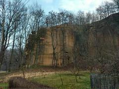 Sandstone wall (nesihonsu) Tags: rocks poland polska geology sudety sandstones geologia sudeten sudetes jerzmanicezdrj kruczeskay pogrzekaczawskie piaskowce pogrzezotoryjskie