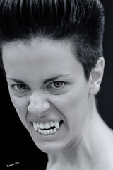 Woman vampire - Donna vampiro (kant53) Tags: donna occhi horror vampiro biancoenero ragazza paura modella diversit canini dentiaguzzi