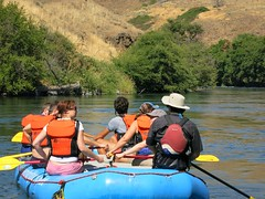 Rafting the Deschutes River_Enjoying the Scenery