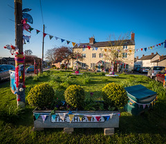 Kingswood Yarn Bombing (Matt Bigwood) Tags: gloucestershire celebration bunting kingswood yarnbombing