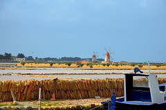 Strinopr La via del sale ( Strinopr) Tags: barca saline sicilia salina mulino vento trapani marsala infersa laviadelsale