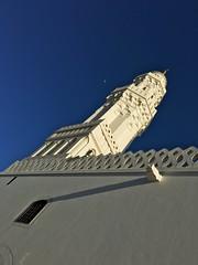 Masjid al-Qiblatayn (aymanshamma) Tags: moon minaret iphone