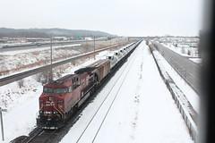 CP 8537 (CC 8039) Tags: bridge minnesota trains newport cp overhead ac44cw