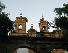 Strche auf einer Kirche in Cceres (pilgerbilder) Tags: pilgern pilgerfahrt pilgertagebuch vadellaplata aldeadelcanocceres
