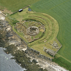 Broch of Gurness at Aikerness, Orkney Islands in Scotland 1971 (Historic Environment Scotland) Tags: colour archaeology scotland 1971 orkney aerial hes canmore aerialphotograph broch broc brochofgurness gurness orkneyislands rcahms johndewar aikerness historicenvironmentscotland sc1514295
