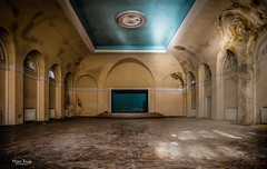 The Theater Hall (Mabloo) Tags: old blue sunlight abandoned yellow theater stage military ruine architektur sunbeams verlassen lostplace hdo hausderoffiziere
