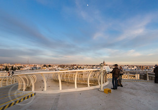 Seville Jan 2016 (5) 778  - Around and about the Metropol Parasol in Plaza de la Encarnacion at the other end of the day this time - waiting for the sunset