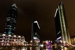 Frankfurt - Platz der Einheit (08dreizehn) Tags: lighting germany deutschland europa europe hessen frankfurt illumination stadt allemagne atnight regen frankfurtammain beleuchtung lanuit nachts messeturm frankfurtm platzdereinheit nikond800 frankfurtlandmarktower 08dreizehn nullachtdreizehn thomashassel afsnikkor20mm118ged