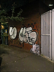 Sony / Hekla (Alex Ellison) Tags: urban night graffiti ic boobs sony 29 graff whitechapel eastlondon hekla throwup throwie 29ers