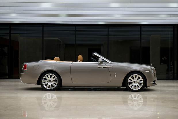 ក្រុមហ៊ុនរថយន្ត Rolls-Royce ចូលរួមក្នុងពិធិពិព័រណ៍រថយន្តអន្តរជាតិក្រុងបាងកក លើកទី ៣៧