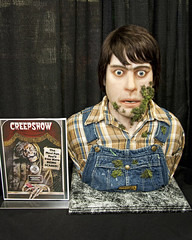 monsterpalooza 2016 - 25 (CE Photogenetix) Tags: show cinema halloween monster movie scary king makeup spooky 80s convention horror fx cinematic stephenking con prop creep select specialeffects efx creepshow specialefx 80smovie canon40d christinaedwards monsterpalooza specialxf