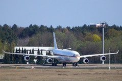 16+01 - Airbus A340-313X VIP (Digi-Joerg) Tags: d airbusa340 txl federalrepublicofgermany berlintegel flugbereitschaftdesbundesministeriumsderverteidigung internationalerverkehrsflughafen 19042016