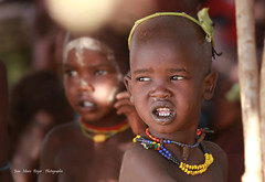 Omo Valley dans un village. (jmboyer) Tags: voyage africa travel portrait people tourism face canon photo yahoo flickr retrato african religion picture culture images tribal viajes getty blackpeople omovalley lonely lonelyplanet ethiopia tribe ethnic karo canoneos civilisation gettyimages visage nationalgeographic afrique hornofafrica 6d tribu ethiopian nomade omo eastafrica googleimages etiopia ethiopie etiopa googleimage go tribus googlephotos omorate etiopija africanethnicity ethnie indigenousculture yahoophoto africanculture dassanech impressedbeauty ethiopianwoman southethiopia photoflickr afriquedelest canon6d photosflickr photosyahoo imagesgoogle photoyahoo ethiopianethnicity photogo nationalgeographie jmboyer photosgoogleearth dassanechs eth1155