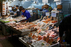 20160413-56-Nishiki Dori food market (Roger T Wong) Tags: travel people food holiday japan kyoto market produce canonef1740mmf4lusm stalls 2016 nishikidori canon1740f4l canoneos6d rogettwong