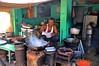 India-Gwalior (venturidonatella) Tags: street portrait people india cooking colors persona nikon asia streetscene colori ritratto gwalior gentes cucina d300 madhyapradesh nikond300