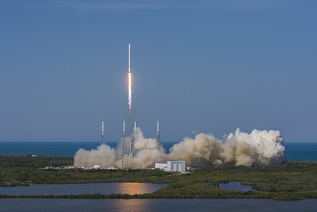 CRS-8 liftoff