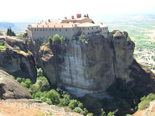 "Monasterios de Meteora, Grecia <a style=""margin-left:10px; font-size:0.8em;"" href=""http://www.flickr.com/photos/141744890@N04/26301600206/"" target=""_blank"">@flickr</a>"