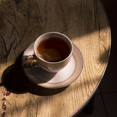 Morning Tea | شاي (imariiam) Tags: morning food canon 50mm tea calm شاي صباح طعام 700d