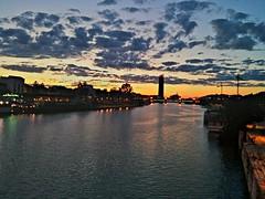 Sevilla al atardecer, desde el puente de Triana. (Carlos M. M.) Tags: clouds sevilla andaluca nubes hdr triana roguadalquivir
