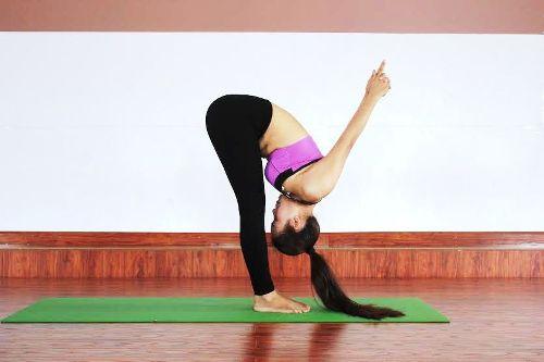Những bài tập yoga đơn giản xua tan lạnh giá bảo vệ cơ thể