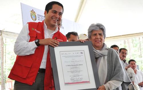 El gobernador Javier Duarte de Ochoa inauguró el Fraccionamiento Habitacional Petrópolis.