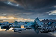 Jkulsrln (Fabio tomat) Tags: sunset sky sun ice water clouds iceland nikon nuvole lagoon cielo midnight acqua icebergs jkulsrln ghiaccio ghiacciaio islanda d600 icerocks nikond600 nikon2470f28ed fabiotomat