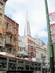 Transamerica Pyramid, San Francisco (dckellyphoto) Tags: sf california bus tower downtown chinatown pyramid transamerica 2008 transamericapyramid sanfranscisco catenary electricbus