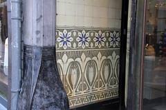 Old wall tiles (Canadian Pacific) Tags: holland building netherlands dutch wall architecture tile ceramic arnhem nederland tiles architectuur gebouw gelderland keramiek koninkrijkdernederlanden aimg2943