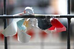 Lachen Sie nicht, ein Spielball im Kampf der Elemente sind wir doch blo (raumoberbayern) Tags: munich mnchen dof zettel farben robbbilder urbanfragments bauzaun bauzaunpoesie