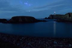 Faro con nebulosa rt (galerilantes) Tags: costa playa