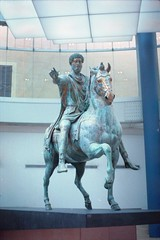 musei capitolini, july 2014 (Tefilo de Sales) Tags: italy sculpture horse rome roma film statue museum bronze analog 35mm 50mm nikon italia kodak museo expired campidoglio nikkormat kodak400 analogic renassaince museicapitolini nikkormatel
