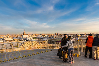 Seville Jan 2016 (5) 768  - Around and about the Metropol Parasol in Plaza de la Encarnacion at the other end of the day this time - waiting for the sunset