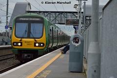 29021 passes Clontarf Road, 12/3/16 (hurricanemk1c) Tags: irish train rail railway trains commuter railways caf irishrail 2016 iarnrd 29021 ireann iarnrdireann clontarfroad class29000 1605droghedapearse
