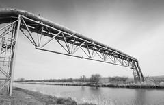 BRIDGE CARRYING PIPE OVER RIVER ANCHOLME, N LINCS_DSC_8074_LR.2.0 (Roger Perriss) Tags: river blackwhite pipe bridges d750 services ancholme castlethorpebridge