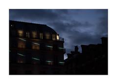 Petit matin (hlne chantemerle) Tags: panorama paris faades ciel nuages rue vue nocturne paysages ville murs ombres levant urbains toits aube btiments photosderue
