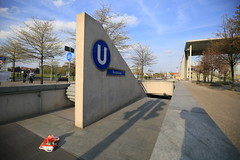 U-Bahnhof (U55) Bundestag - Eingang (Pascal Volk) Tags: berlin underground subway metro platform bahnhof wideangle railwaystation ubahn wa ww subwaystation 16mm ubahnstation metrostation ubhf superwideangle undergroundrailway sww bvg berlinmitte uwa weitwinkel swa rapidtransit vbb ultrawideangle metrosystem uww untergrundbahn ubf ubahnhaltestelle berlinubahn ultraweitwinkel superweitwinkel berlinerverkehrsbetriebe u55 canonef1635mmf4lisusm canoneos6d uhst