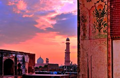 Archway extravagance (Fortunes2011.Toy Heart) Tags: door flowers sunset sky art architecture clouds painting gate arch fort pastel wallart mosque lahore redfort badshahimasjid lahorefort mughal lalqila 15century emperorakbar emperorjahangir fortunes2011nikon