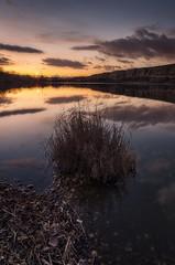 la Laguna del Campillo (alcachofa1960) Tags: madrid reflejo anochecer lagunadelcampillo rivasvaciamadrid