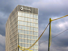total verkabelt | berlin | 1512 (feliksbln) Tags: windows building berlin lines yellow architecture clouds facade de arquitectura pattern tour head geometry fenster edificio himmel wolken front ventanas amarillo gelb cables cielo nubes repetition architektur perspectiva total administration fachada gebude muster perspektive fassade kabel hochhaus quater cabel oficinas geometrie lneas linien perspectiv repeticion patrn geometra wiederholung administracin verwaltungsbau