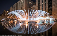 Fifth Avenue Fountain (DSC03994) (Michael.Lee.Pics.NYC) Tags: longexposure newyork reflection fountain night cityscape sony fifthavenue metropolitanmuseumofart davidkoch a7rm2 zeissloxia21mmf28